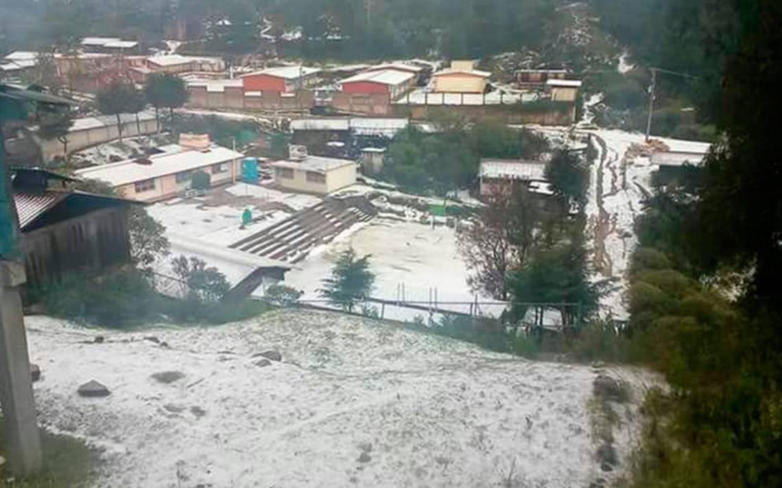 Se viste de blanco la Mixteca: fuerte granizada sorprende a la región oaxaqueña