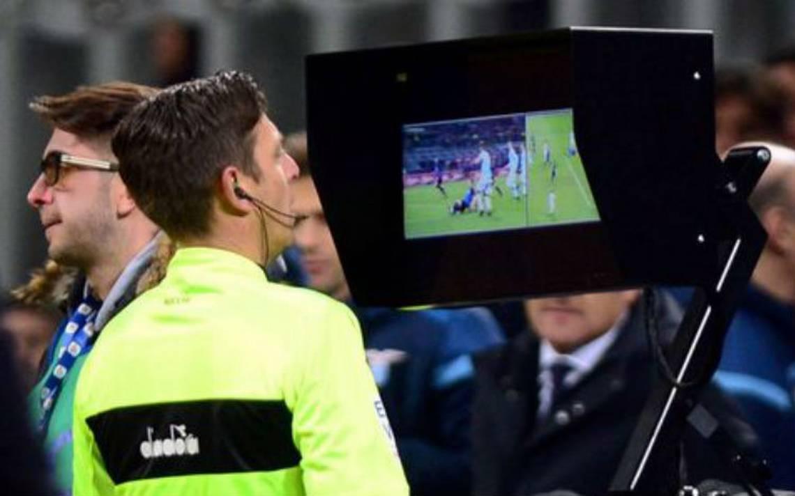 FIFA selecciona a 13 A?rbitros que serA?n asistentes de VAR en Rusia 2018