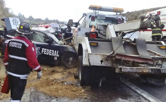 Accidente deja un muerto y al menos 30 lesionados en la México-Puebla