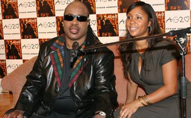 Hija de Stevie Wonder sigue pasos de su padre