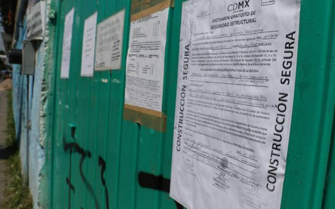 Padres de familia de alumnos exigen reparación de escuelas públicas