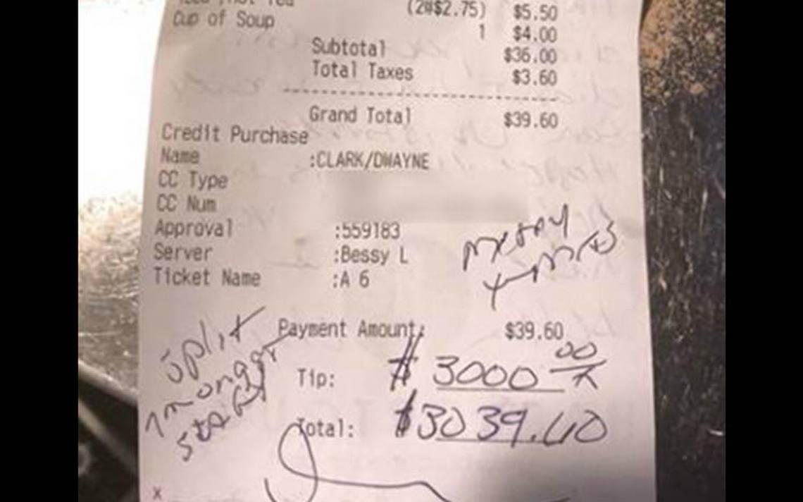 ¿Error matemático? Paga cuenta de 39 dólares pero deja propina de ¡3 mil!