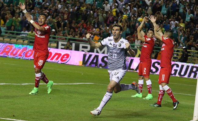 Toluca le gana al León 2-3