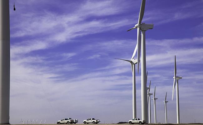Iberdrola adjudica a Gamesa suministro de aerogeneradores de 2 plantas eólicas