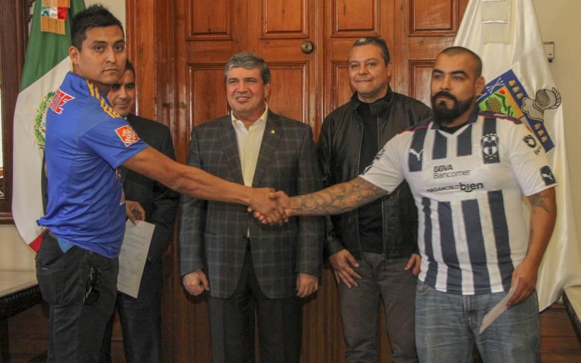 Aficionados de Tigres y Rayados firman la paz ante gobierno de Nuevo León