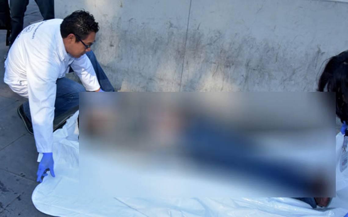 Joven muere en Metro Pino Suárez; pensaban que estaba borracho