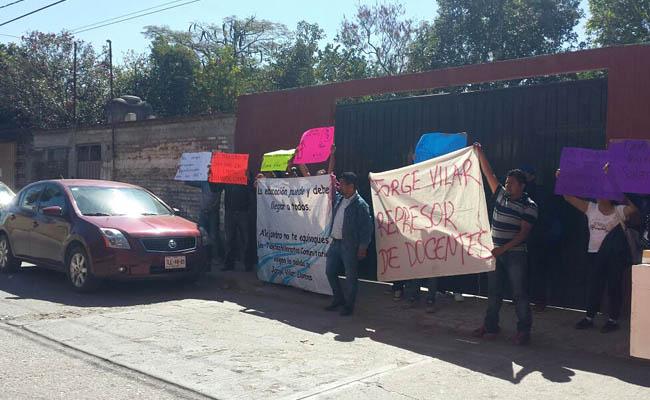 Trabajadores de Telebachilleratos inician huelga de hambre