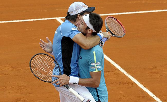 Argentina reacciona ante Italia en la Copa Davis.