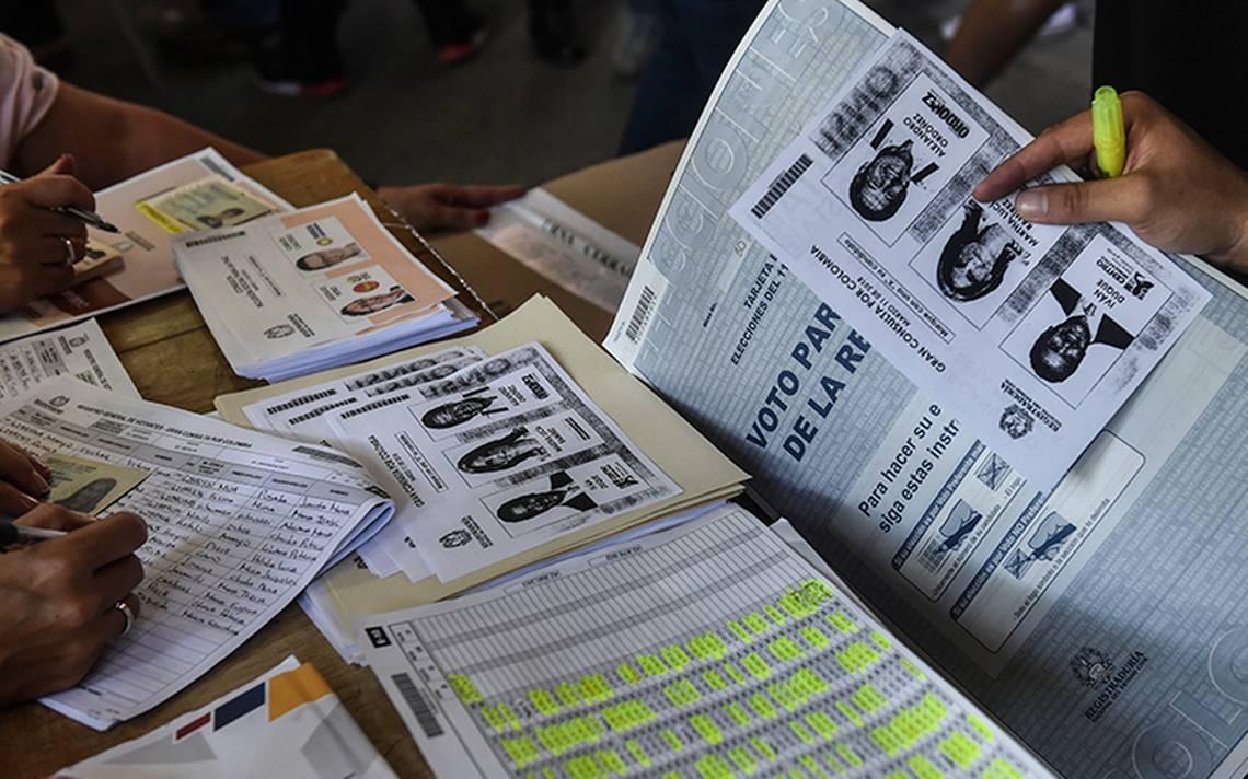 Urnas cerradas: Iván Duque y exalcalde Petro se perfilan como candidatos presidenciales en Colombia
