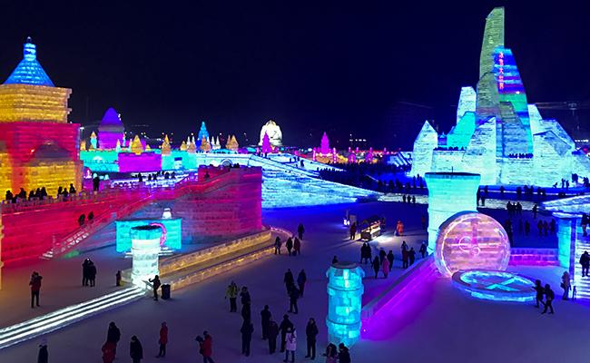 China, el anfitrión de este colorido festival de esculturas de hielo