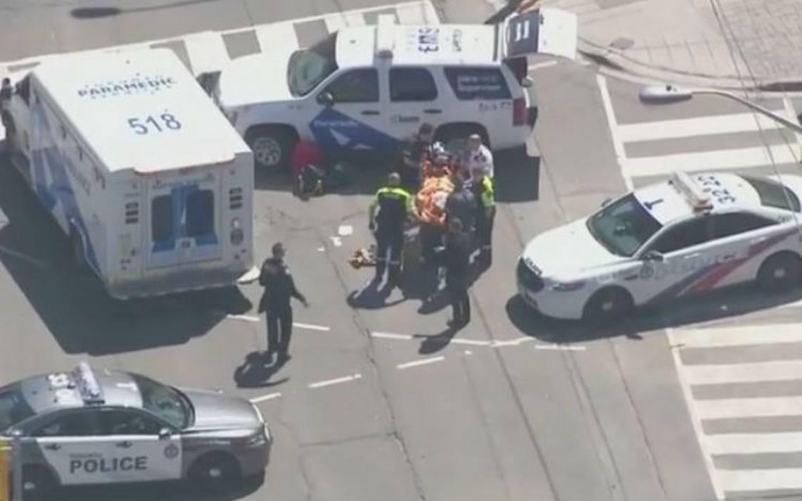 Nueve muertos y 16 heridos deja atropello de peatones en Toronto