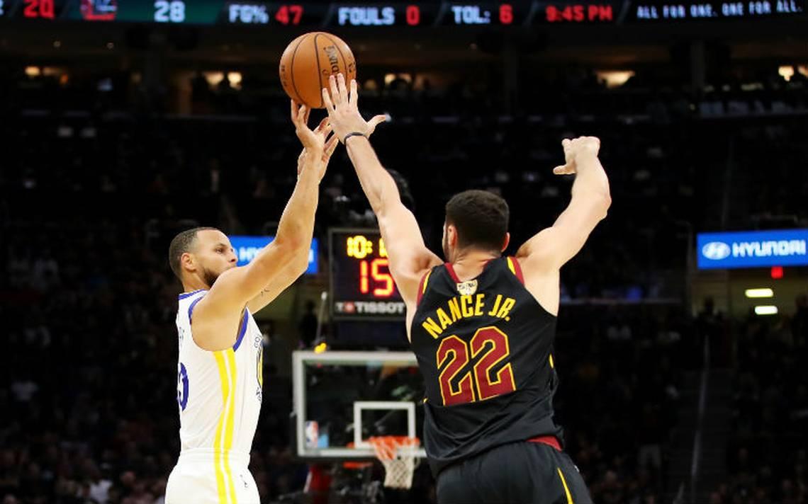 Warrios de Golden State barren a Cavs y son bicampeones de la NBA