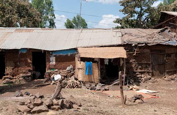 Existen dos millones de pobres más en el país: Coneval