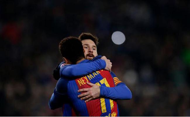 Barcelona llega a la semifinal tras golear al Real Sociedad