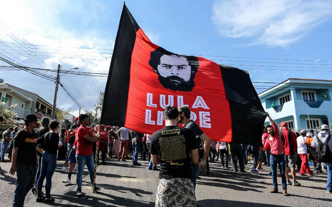 Juez revoca orden de liberación de Lula y lo mantiene preso