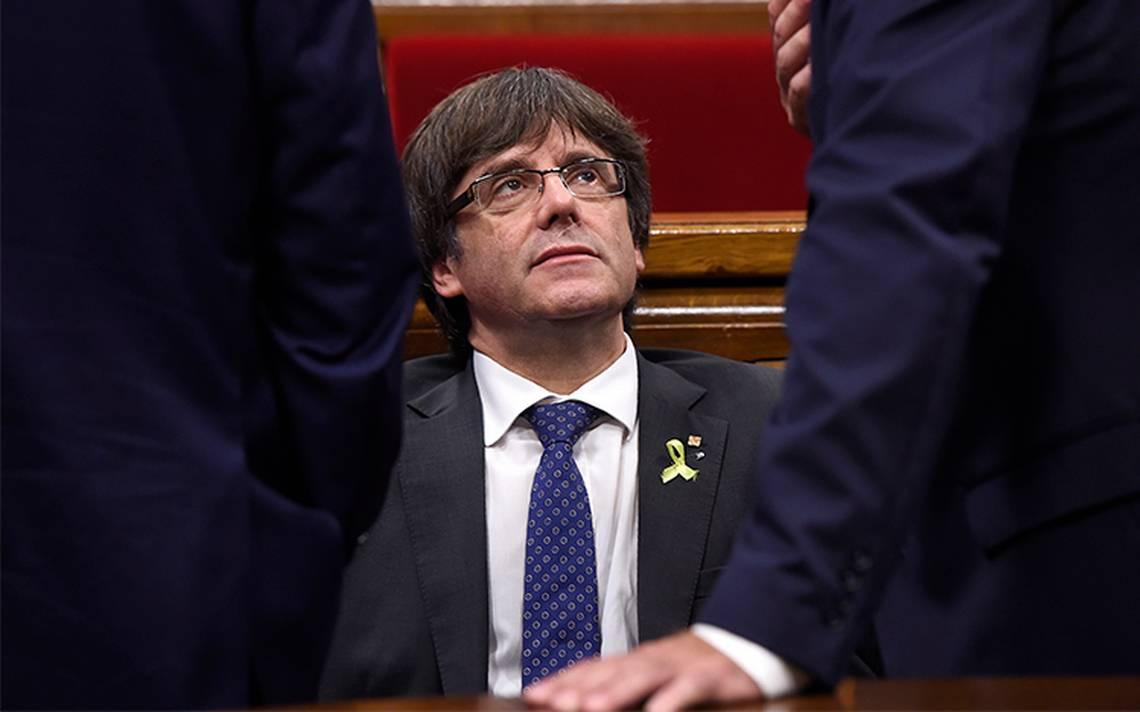 Filtran mensajes de Puigdemont en los que reconoce derrota