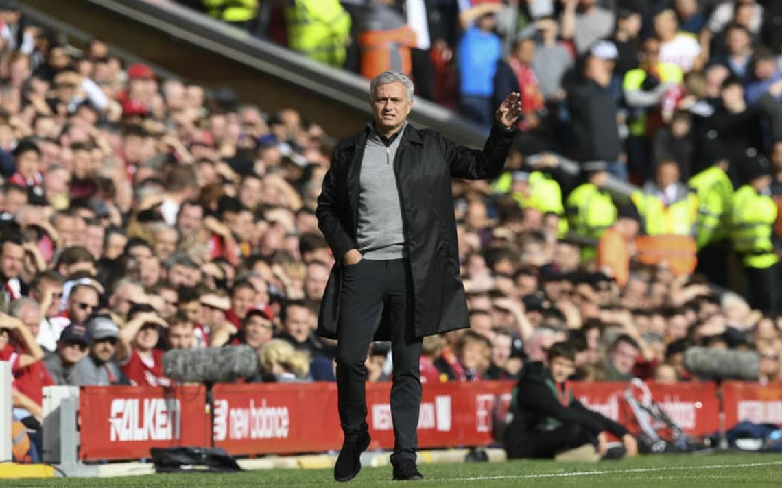Mourinho asegura no terminar su carrera con el Man Utd