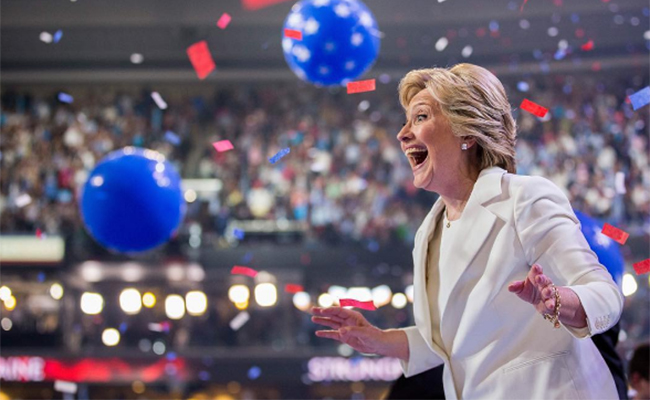 Hillary Clinton reaparece… ¡en Broadway!
