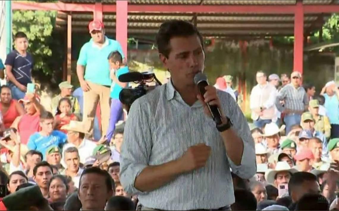 EPN pide a damnificados organizarse para una reconstrucción más rápida