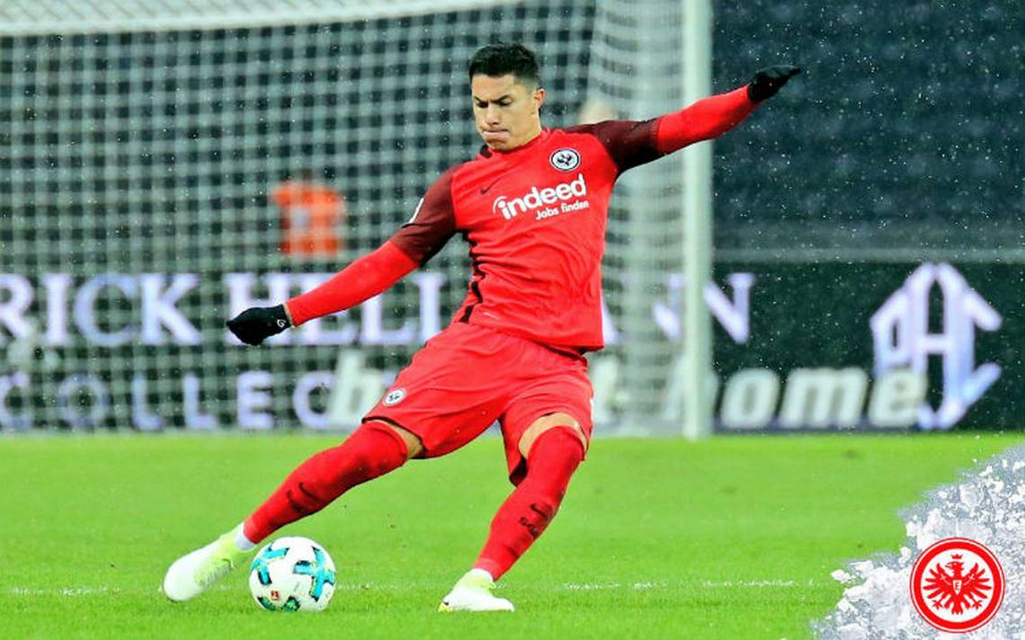 Eintracht Frankfurt ficha a Carlos Salcedo hasta 2022