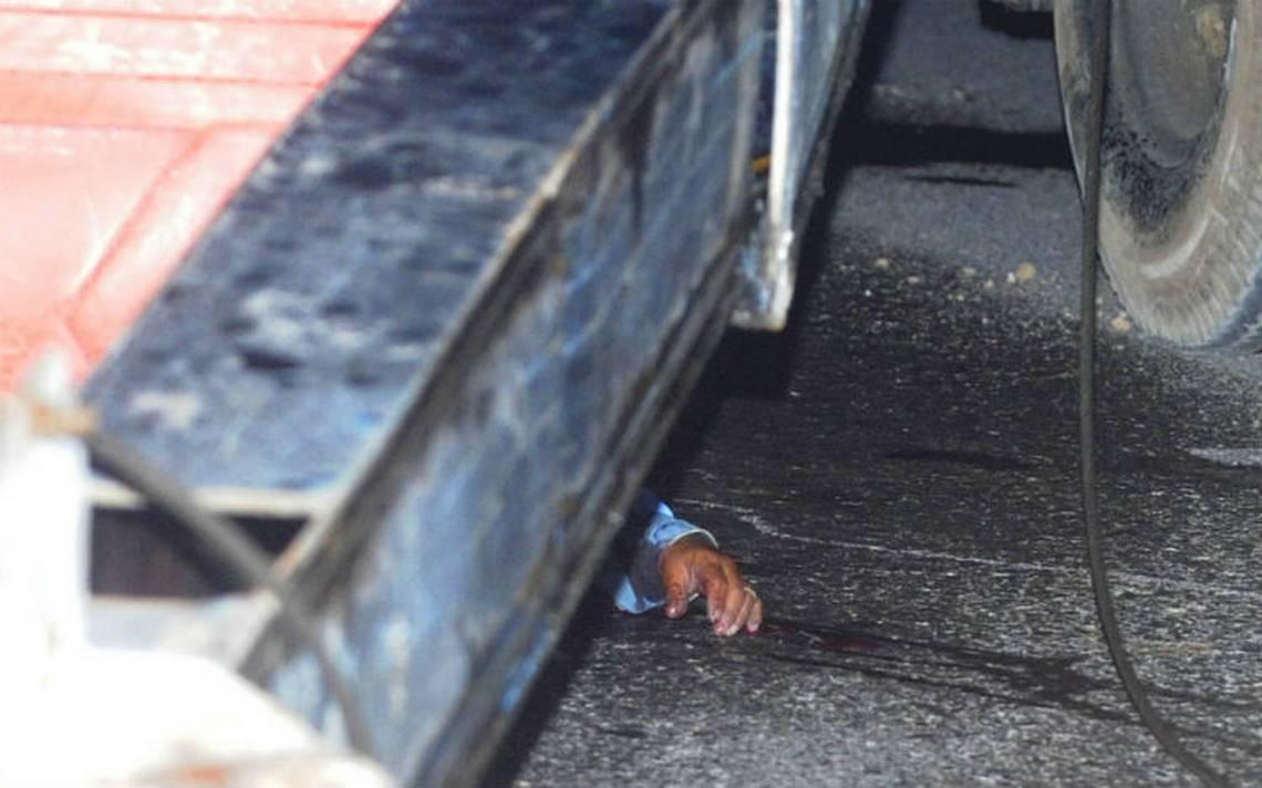 Muere trabajador en la México-Toluca al ser aplastado por brazo de una grúa
