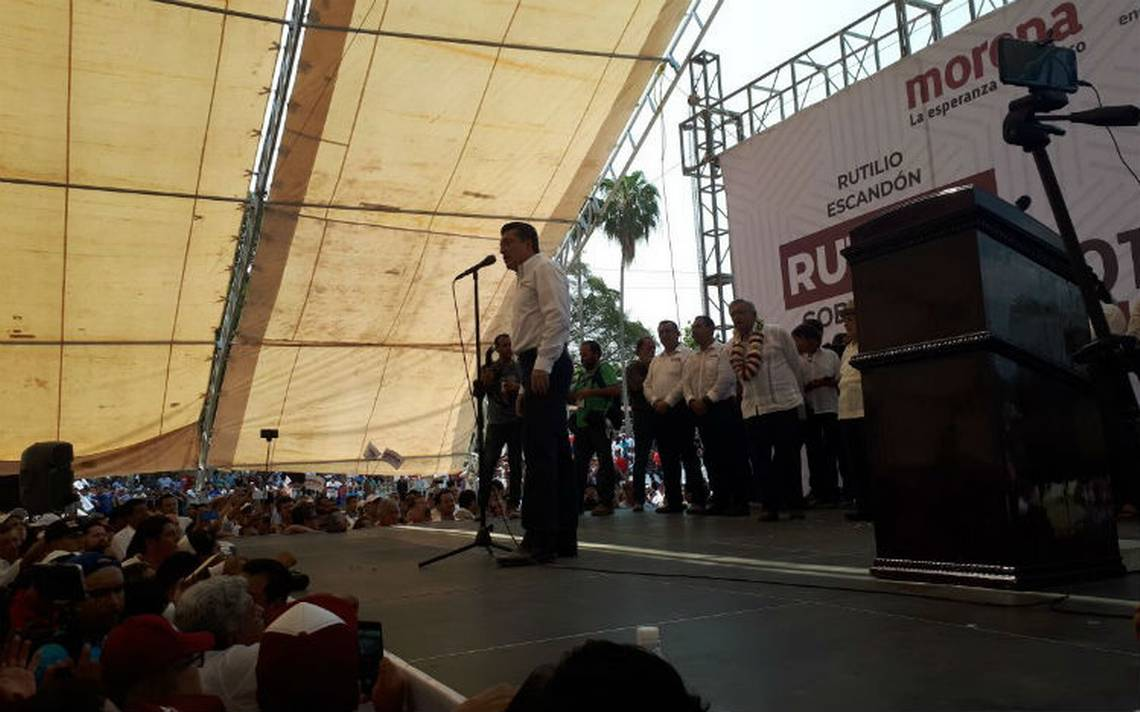 Candidato de Morena por Chiapas inicia campaA�a, lo acompaA�a AMLO