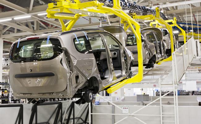 Confederación Revolucionaria de Obreros y Campesinos construirá automovil