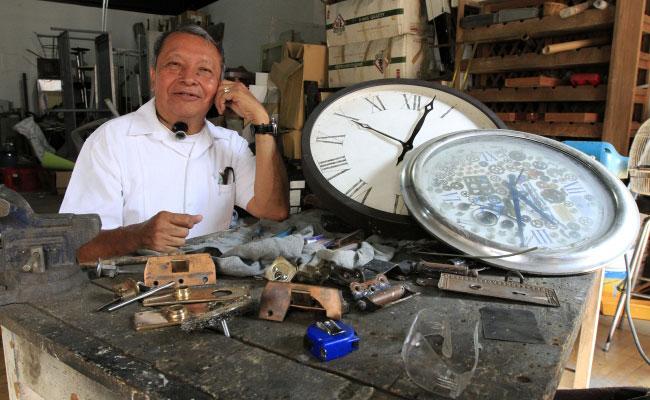 Quiero  promover un Museo del Reloj: Luis Hernández