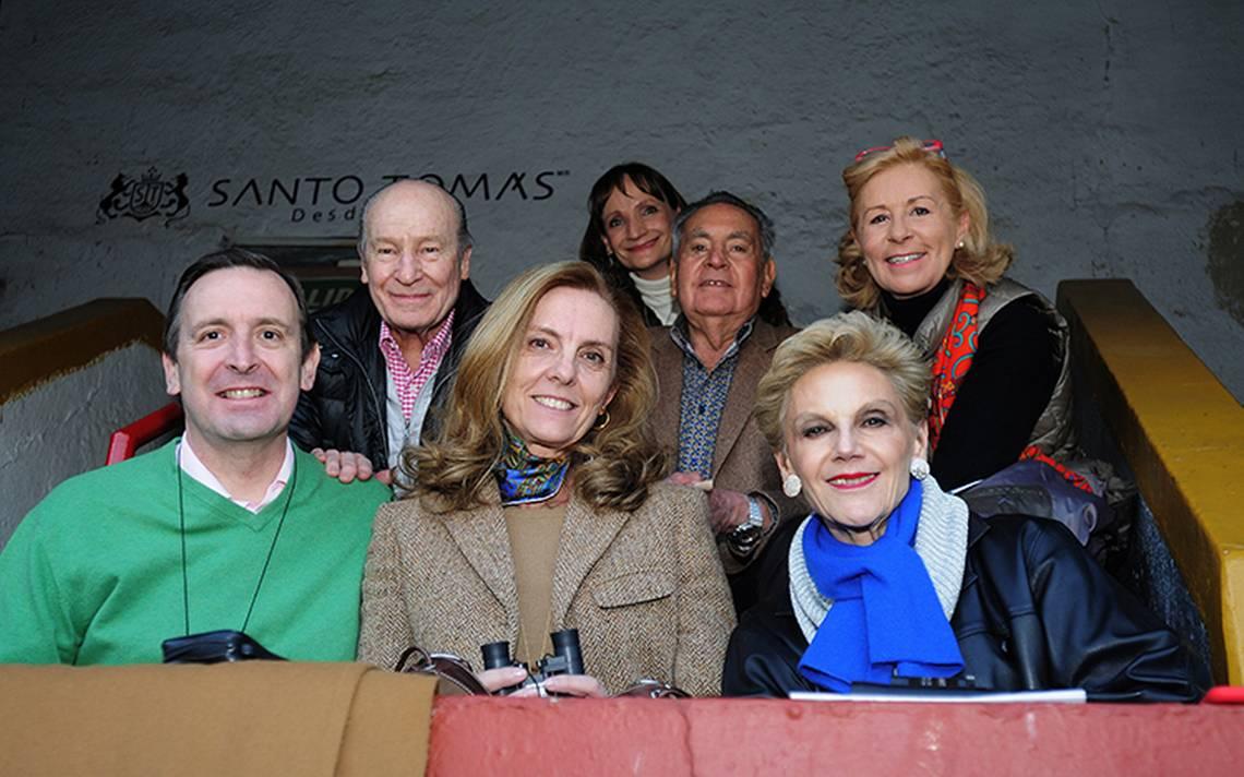Tarde de luces y altruismo en la Monumental Plaza de Toros México