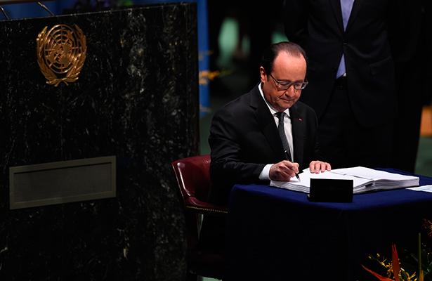"""Hollande ordenó """"asesinatos selectivos"""" en lucha antiterrorista"""