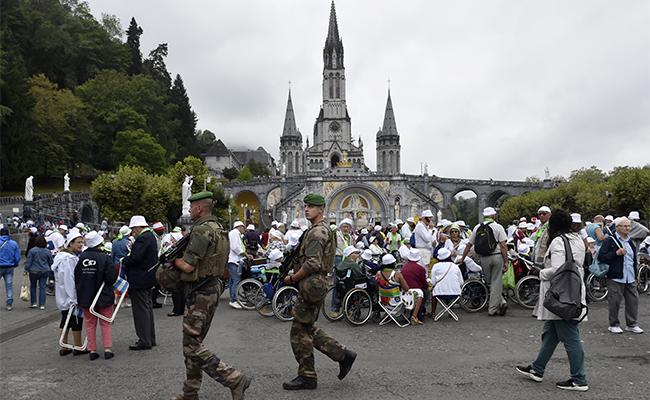 Por amenaza terrorista, autoridades cancela procesión en Notre Dame