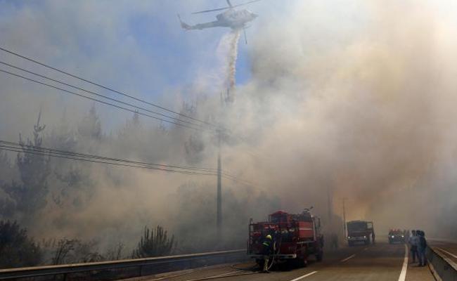 Declaran alerta roja en Viña del Mar y Valparaíso por incendios