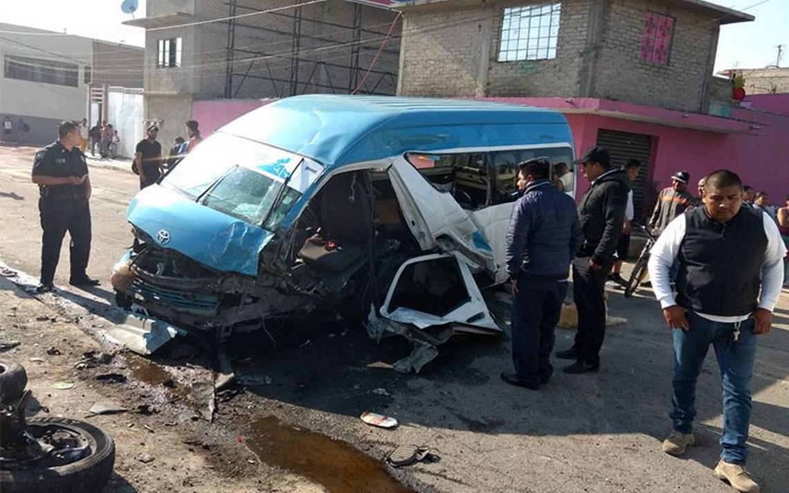 Saldo de 12 lesionados deja choque de transporte público en la México-Puebla