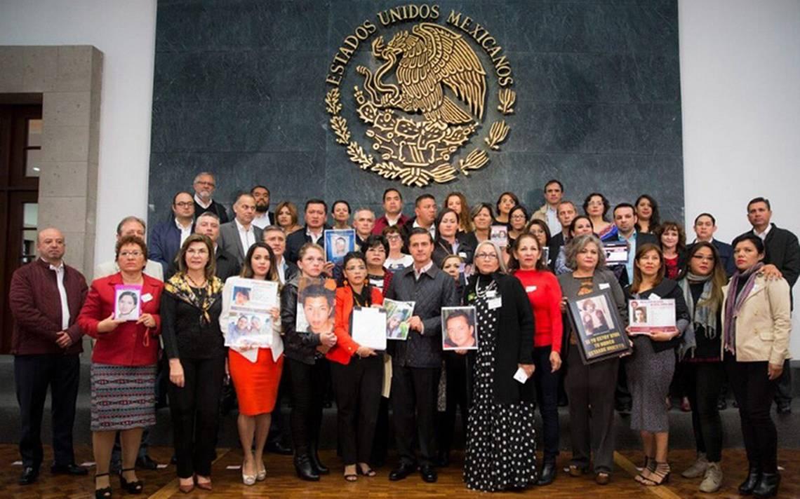Peña Nieto pide a dependencias atender tema de fosas en ley de desaparición