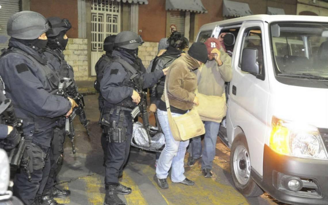 Rescatados 19 centroamericanos que viajaban en autobús en Tabasco