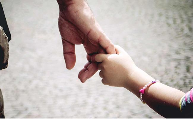 Mexicanos gastarán cerca de mil 300 pesos en regalo del Día del Padre: estudio