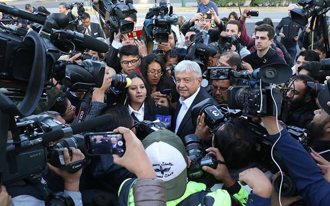 """Una más en la """"pejegira""""… 90 días en campaña con Andrés Manuel López Obrador"""