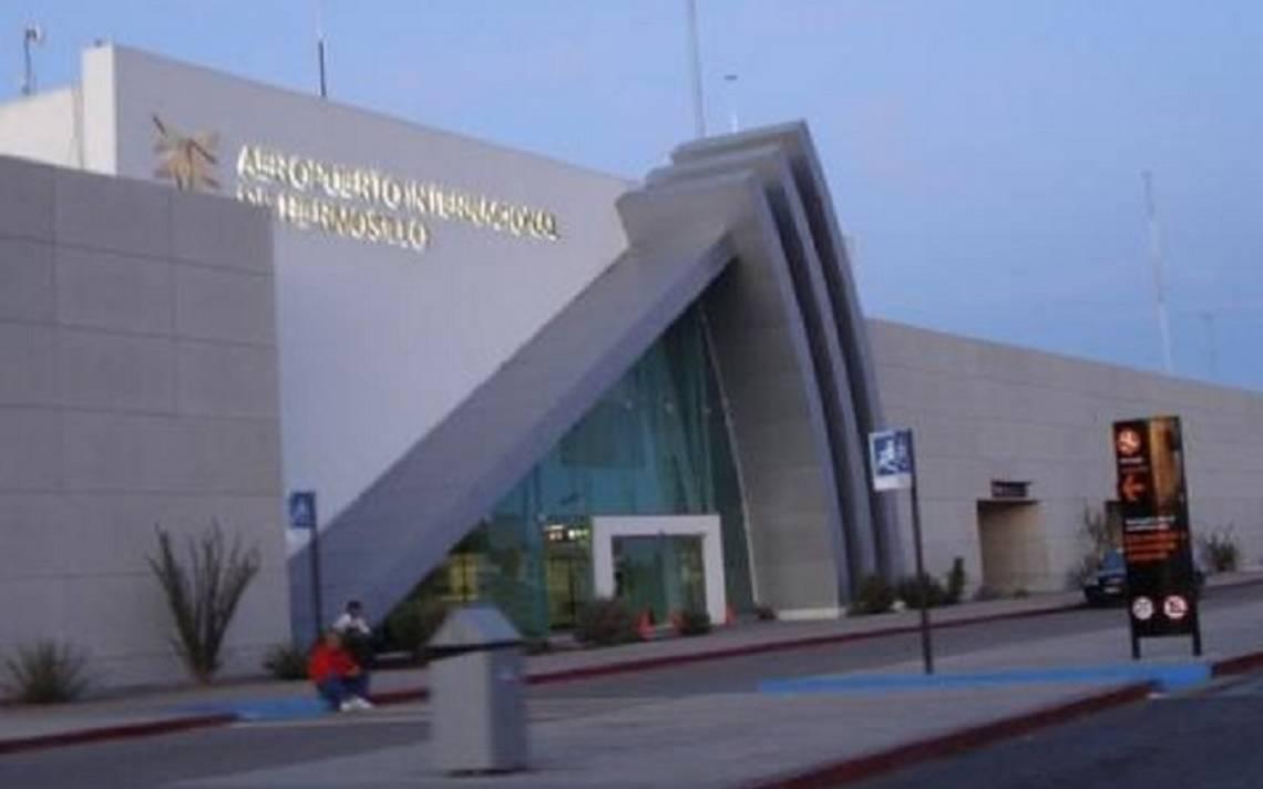 Abaten a hombre tras amenazar a comensales en aeropuerto de Sonora