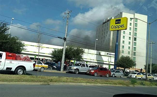 Se registra incendio en tienda Coppel de Reynosa