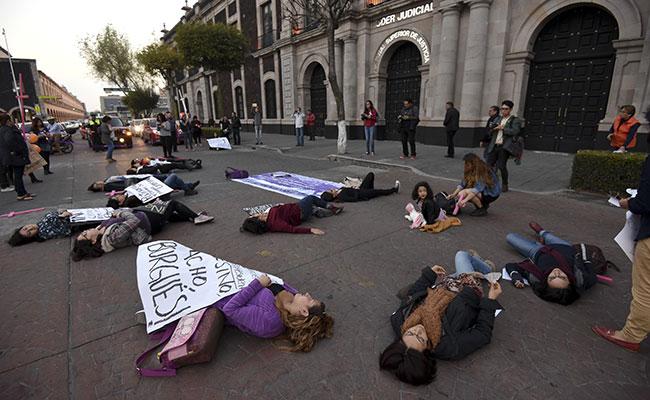 Más de 100 muertes  de mujeres y  790 violaciones  en Edomex