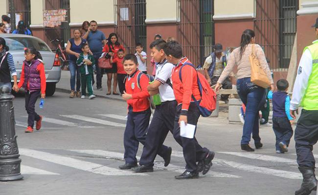 Iniciativa busca frenar trámites burocráticos en revalidación educativa: SEP