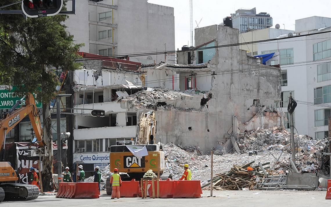 El gobierno capitalino gasta  174 mdp en derribar 30 edificios
