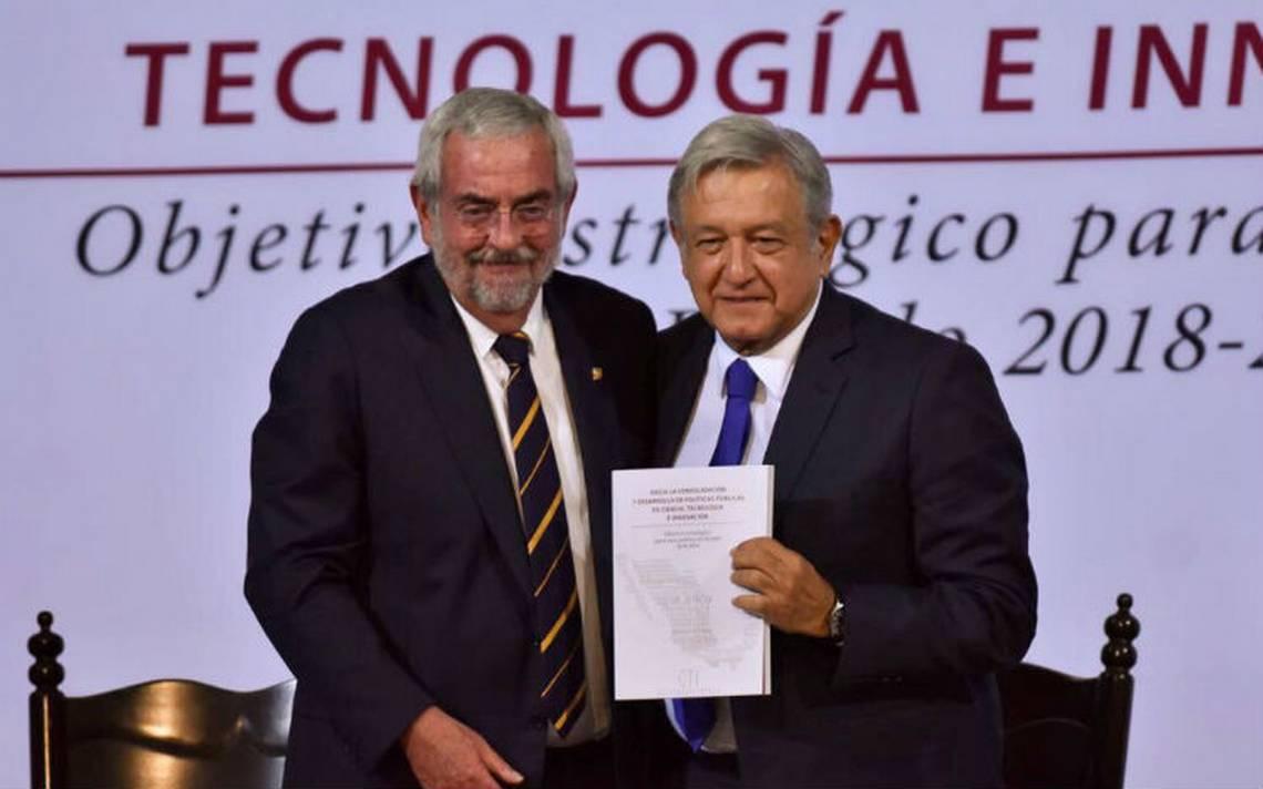 Rector de la UNAM entrega plan de desarrollo científico elaborado por universidades