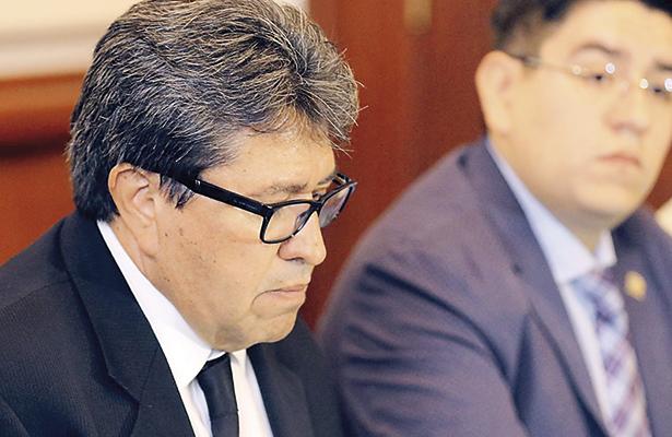 Ricardo Monreal no está exonerado, aclara contralor