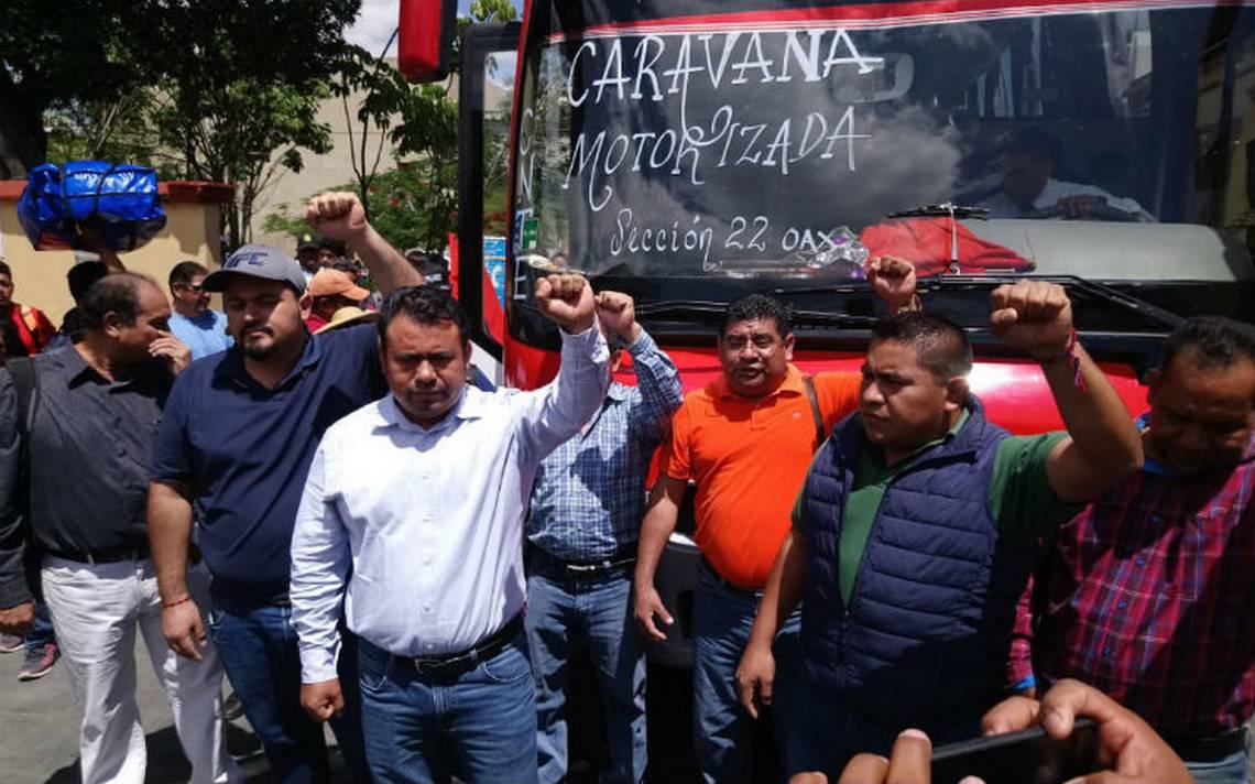 Caravana de maestros de la CNTE sale de Oaxaca hacia la CDMX; alistan megamarcha