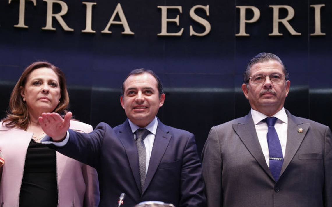 Senadores panistas piden la salida de Anaya por provocar crisis en el PAN