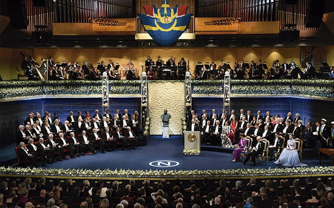 El rey Carlos Gustavo de Suecia entregó los Premios Nobel