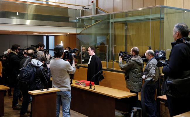 El Chacal enfrenta juicio por ataque a tienda de París en 1974