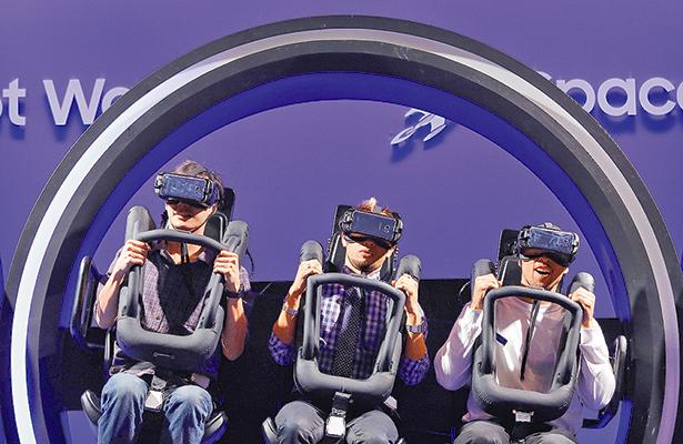 Samsung contraataca en la feria de CES con televisores y portátiles