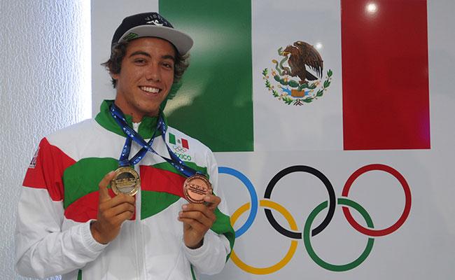 Jhony Corzo cumplió su sueño de conquistar un título mundial de Surf